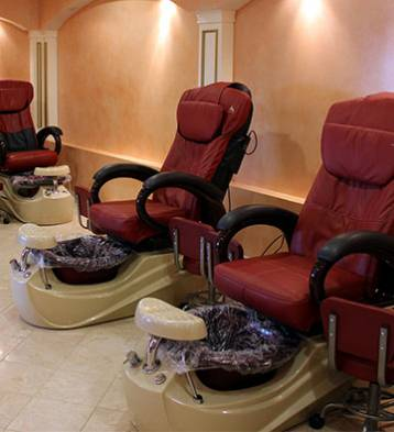 Nail salon in allentown pa best day spa in allentown for Salon emmaus 2017